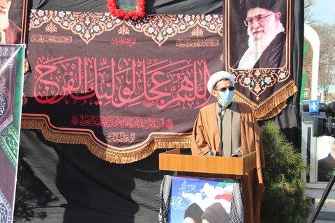 سبک زندگی اسلامی یعنی نباید در برابر دشمنان سر خم کرد