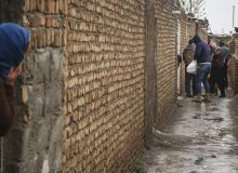 جهادیها به جای برپایی موکب در اربعین، سفره ۱۰۰ خانوار را رنگین میکنند